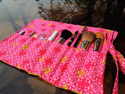 makeupbrushroll