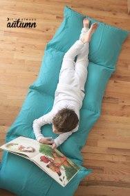 pillow-bed-ItsAlwaysAutumn